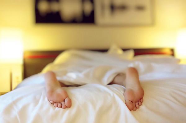 Effective ways to keep warm at night